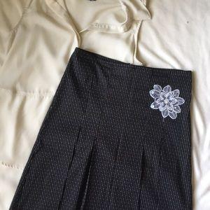 [ Paper Doll Black Pinstripe Skirt w/ Flower ] 5